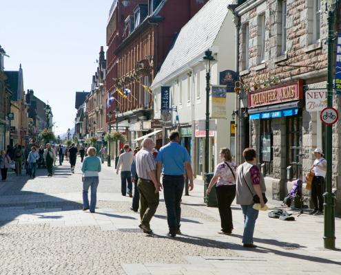 visit-fort-william: High Steet shopping