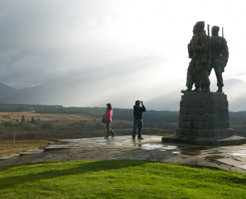 visit-fort-william: Commando Monument